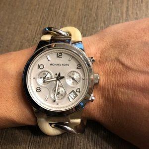 ⭐️SALE⭐️Women's Michael Kors Watch